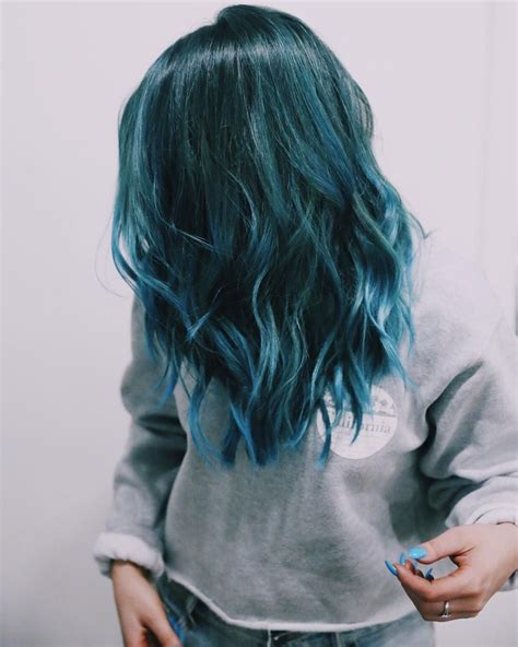 Does Phaedras Hair Teal | nikidemar is slaying in this teal blue do yass love