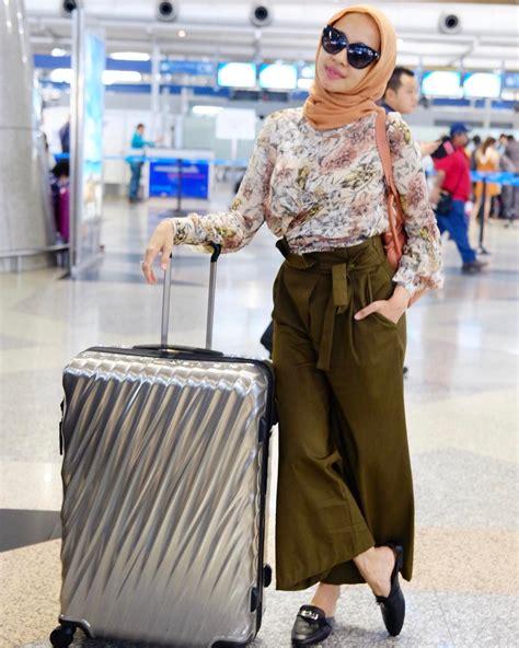 10 Gaya Hijab Laudya Cynthia Bella yang Bikin Adem ...