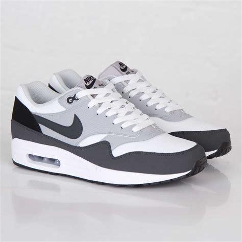 Nike Air Max 1 Damen by Nike Air Max 90 Shoe Discount White Grey Green