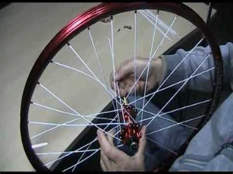 Fahrrad Speichen Lackieren by Einspeichen Laufrad Einspeichen