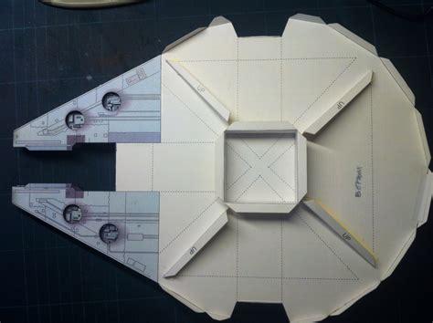 Millennium Falcon Papercraft - millennium falcon by scyeige on deviantart
