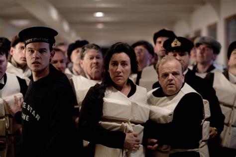 film titanic actors titantic star reveals dicaprio crush titanic movie