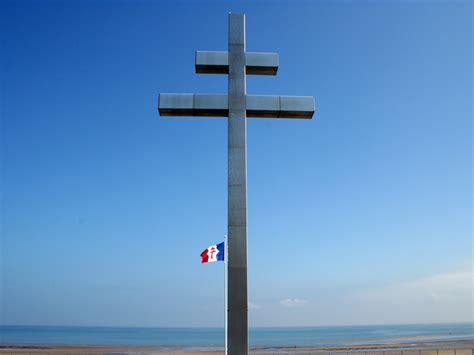 Facebook Offices monument historique courseulles sur mer croix de lorraine