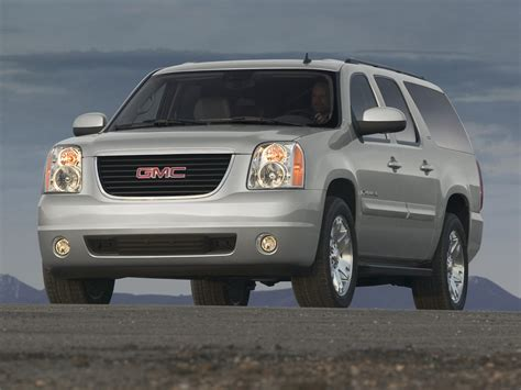 how things work cars 2011 gmc yukon xl 2500 user handbook 2011 gmc yukon xl information and photos momentcar