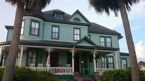 pensacola victorian bed and breakfast captains room picture of pensacola victorian bed and