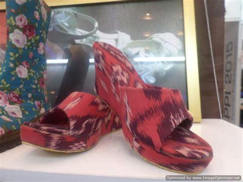 Sepatu Wedges Sam 9335 Murah nikma basyar yuniari nukti
