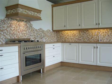 mosaico rivestimento cucina 1000 idee su rivestimento in pietra su