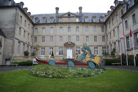 Photo De La Tapisserie De Bayeux by Bayeux Museum Picture Of Musee De La Tapisserie De