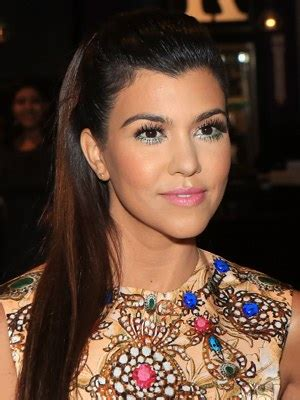 high hairlines a firm of beauty in women hair ideas that work with your widow s peak allure