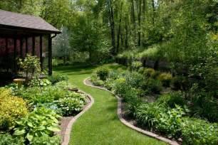 Big Garden Design Beth S Garden In Iowa Day 2 Bird Garden Big Garden