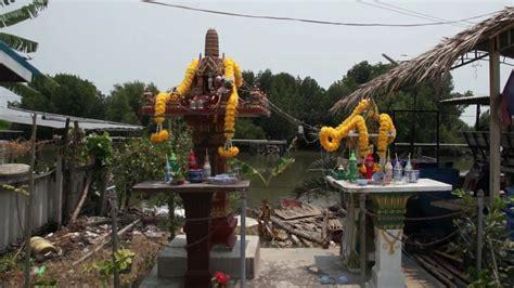 buy thai spirit house boat launch sea view thai spirit house protects from evil bangkok thailand youtube