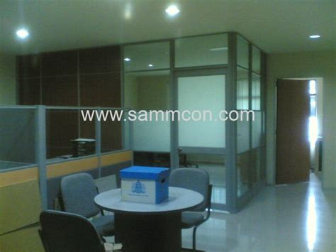 Partition.Laminate Flooring. Office design.Renovation