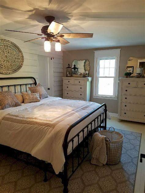 awesome farmhouse master bedroom decorating ideas