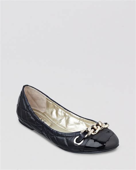 guess shoes flats guess cap toe ballet flats fentoni in black lyst
