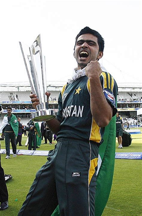 wallpaper of fawad alam pakistani cricketer players wallpapers biography fawad alam