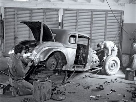 hot rods in action old time photos vintage photos of hot rod workshop
