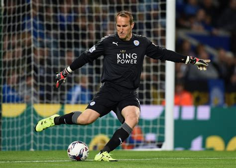 Leicester Records Schwarzer Sets Two Premier League Records After Leicester Win The Title Metro News
