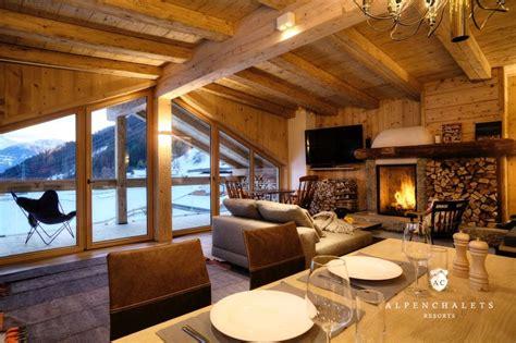 alpen hütte mieten 2 personen luxuri 246 se chaletsuiten im zillertal h 252 ttenurlaub in