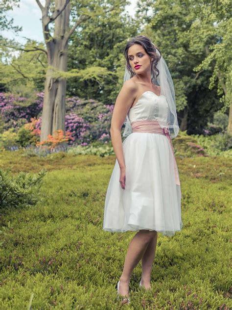 Hochzeitskleid Rosa Kurz by Brautkleider 2016 2017 Elementar I Moderne Brautkleider