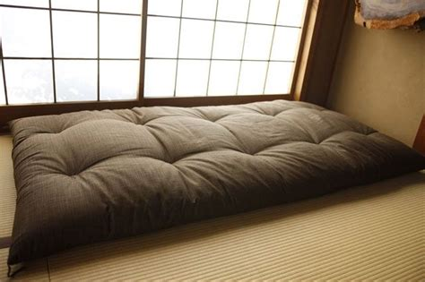 Japanese Sofa Bed 17 Best Ideas About Japanese Futon On Room Curtains Futon Bed And Japanese