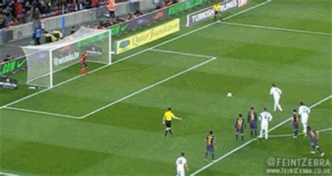 gif: cristiano ronaldo scores real madrid penalty v