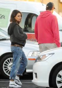 Comfortable High Top Sneakers Pregnant Mila Kunis And Beau Ashton Kutcher Enjoy A Casual