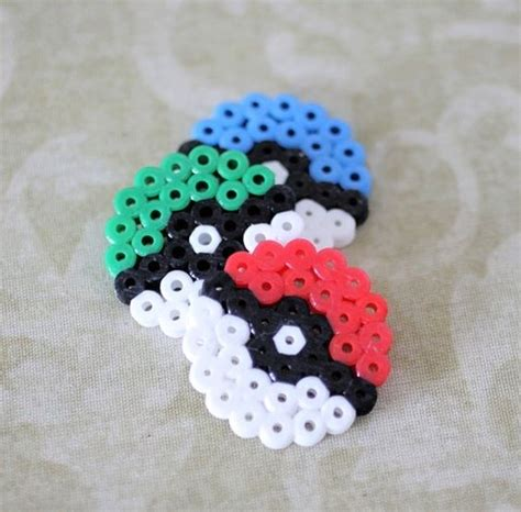 easy perler bead ideas pokeballs these could easily be made and turned into