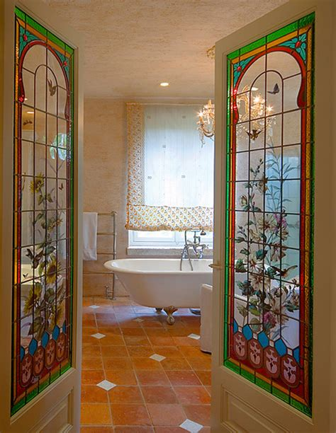 20 ideas for home decorating with stained glass panels