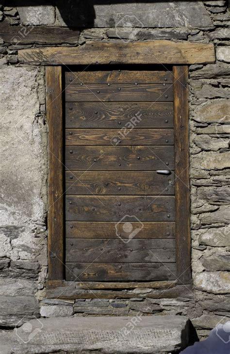 Restaurer Une Vieille Porte En Bois 2022 by Vieille Porte En Bois Ancienne Id 233 E Int 233 Ressante Pour La