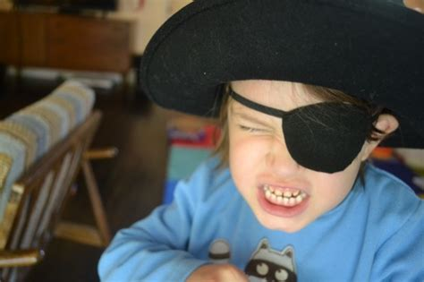 How To Make A Pirate Eye Patch Out Of Paper - make children toys home pirate eye patch pattern