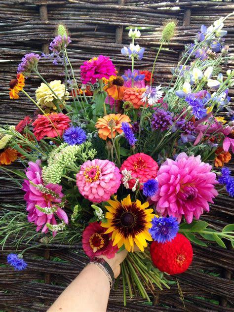 flowers uk summer wedding flower inspiration at the bottom of