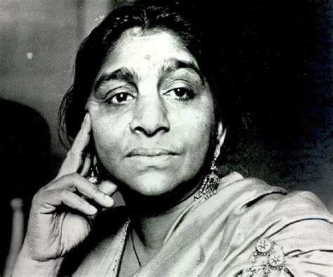 hindi writers biography in hindi sarojini naidu biography childhood life achievements