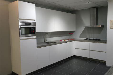 beda keukens showroom showroomkeukens alle showroomkeuken aanbiedingen uit