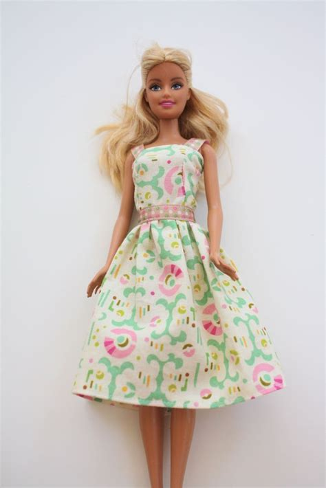 doll clothes pattern tutorial barbie doll clothes this is a great tutorial for simple