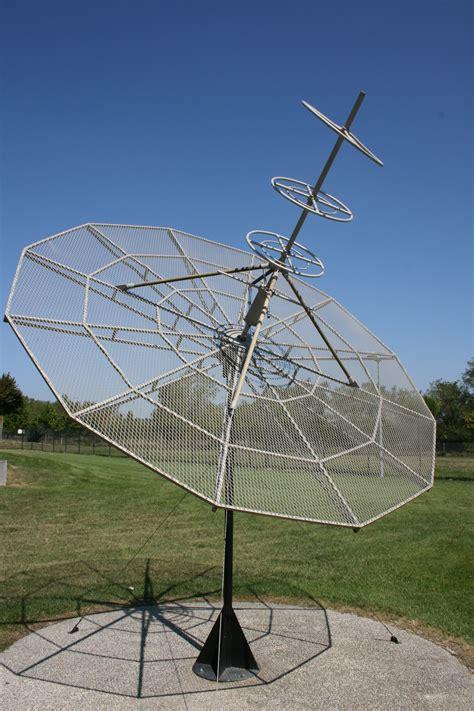 fileradio antenna cite de lespacejpg wikimedia commons