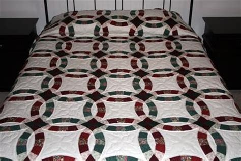 Handmade Wedding Ring Quilts For Sale - wedding ring burgundy and green amish quilt for