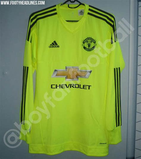 Jersey Manchester United Gk Home 11 12 leaked manchester united s adidas goalie shirt for next