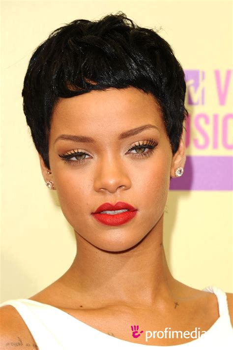 Rihanna     hairstyle   easyHairStyler