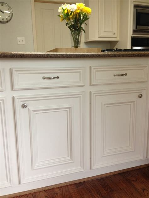 Kitchen Hardware Can I Modernize Traditional Cabinets Traditional Kitchen Cabinet Handles