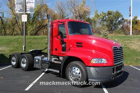 truck shows 2013 trucktober 2013 mack truck allentown pa mack