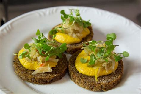 vegan appetizer recipes for a delicious crostini that makes the