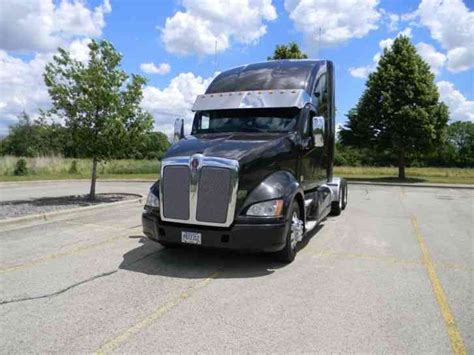 kenworth truck 2012 kenworth 2012 sleeper semi trucks