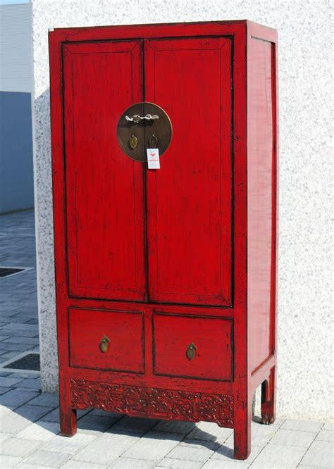 armadi cinesi armadi armadio cinese in lacca rossa aa 05366