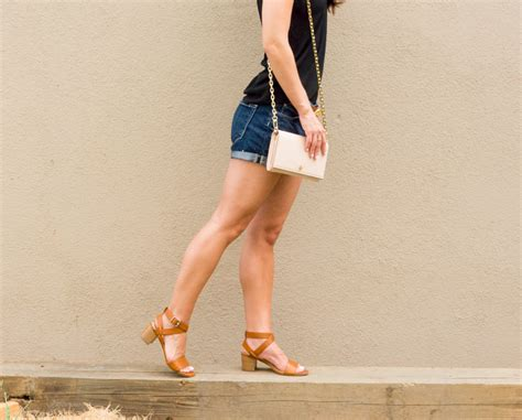 what wear in mid 30s paige denim shorts how to wear denim shorts in your late