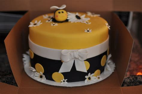 bumble bee birthday cake cakecentral