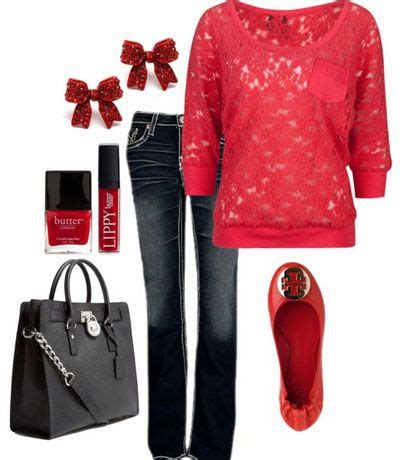 55+ trendsetting christmas outfits every wardrobe must have