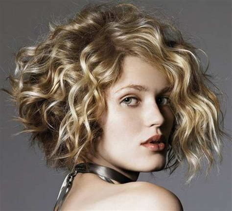 best hair hair doos 2015 25 best curly short hairstyles for round faces fave