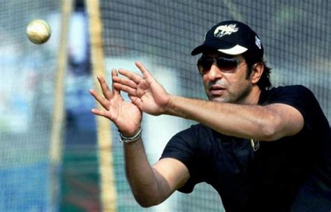wasim akram king of swing swing king wasim akram to train sri lanka pacers such tv