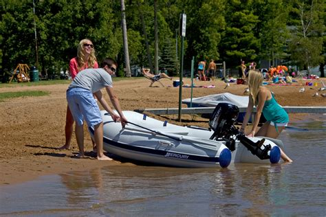 yacht opblaasboot rubberboten