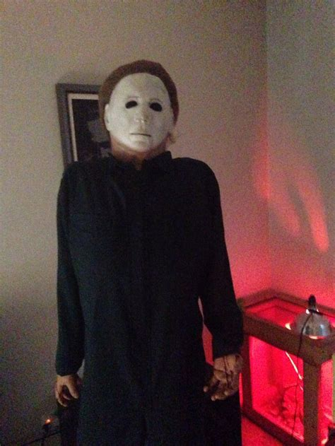 Michael Myers Decorations by Creepy As Hell Michael Myers Decoration From Www Michael